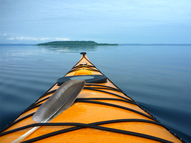 kayak-feather